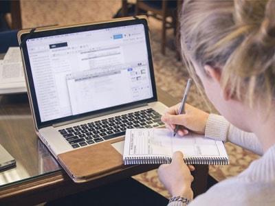نمونه رایتینگ ساده زبان انگلیسی - Online or Traditional Universities