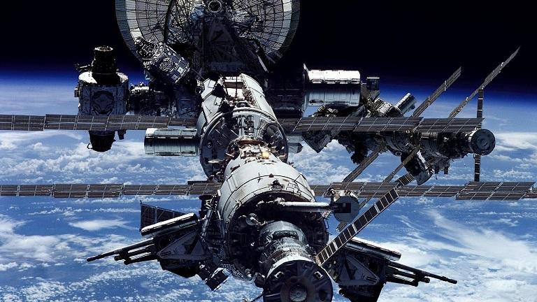 دانلود مستند سازه های عظیم ایستگاه فضایی بین المللی